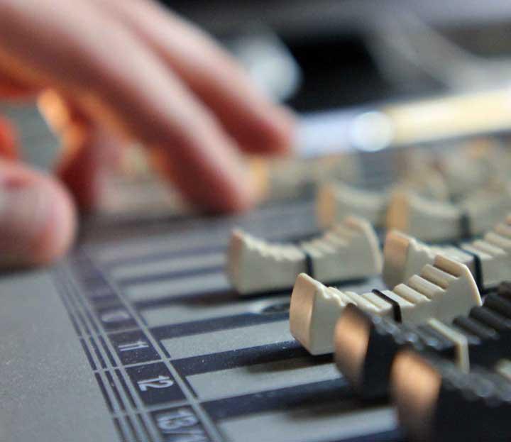 Mischpult für TV Postproduktion