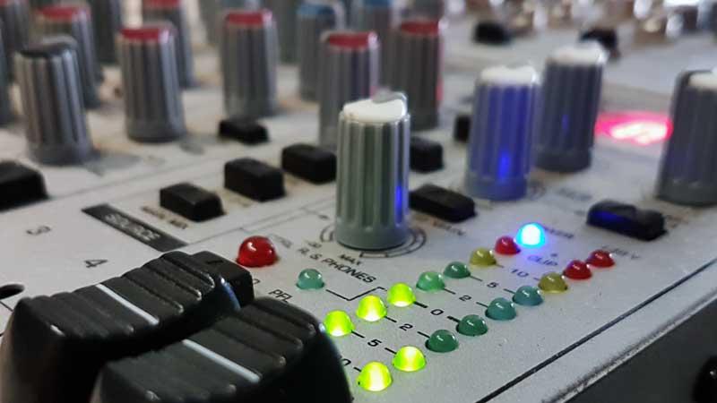 Audio-Mischpult zur Vertonung von TV-Beiträgen