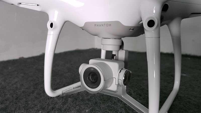 Eine Quadcopter Kameradrohne in Halle
